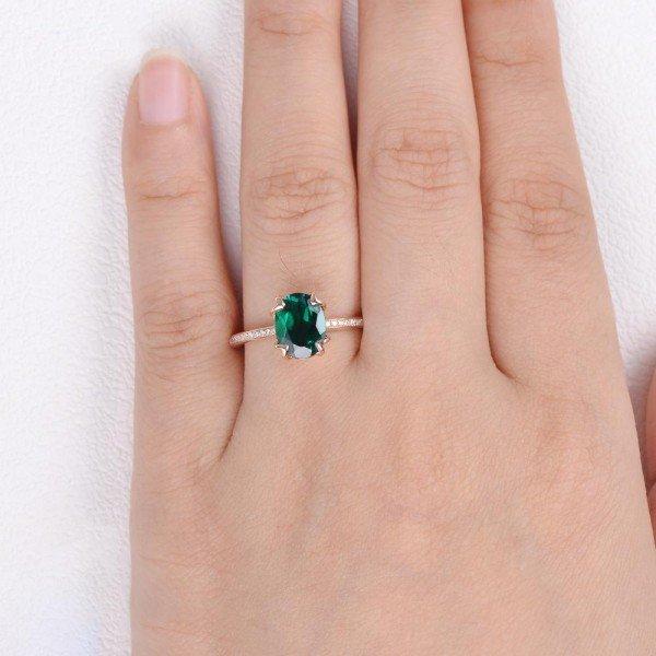 Oval Green Emerald Cuddle Ring - Rose - Finger