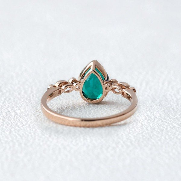 Pear Shaped Green Emerald Vintage Beaded Ring - Back