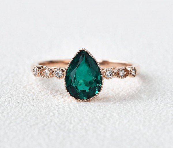Pear Shaped Green Emerald Vintage Beaded Ring - Front