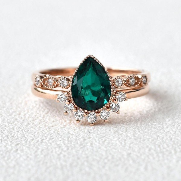 Pear Shaped Green Emerald Vintage Beaded Ring Set - Front