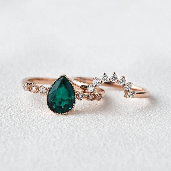 Pear Shaped Green Emerald Vintage Beaded Ring Set - Front - Seperate