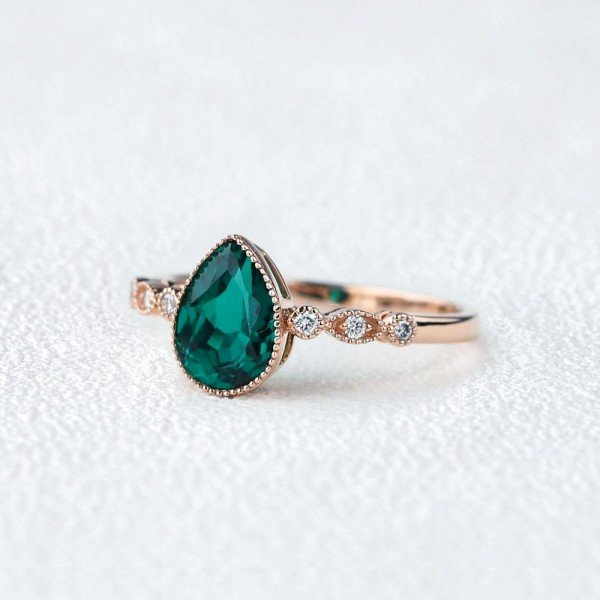 Pear Shaped Green Emerald Vintage Beaded Ring - Side