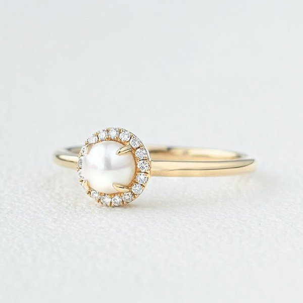 Round Pearl Halo Ring - Side