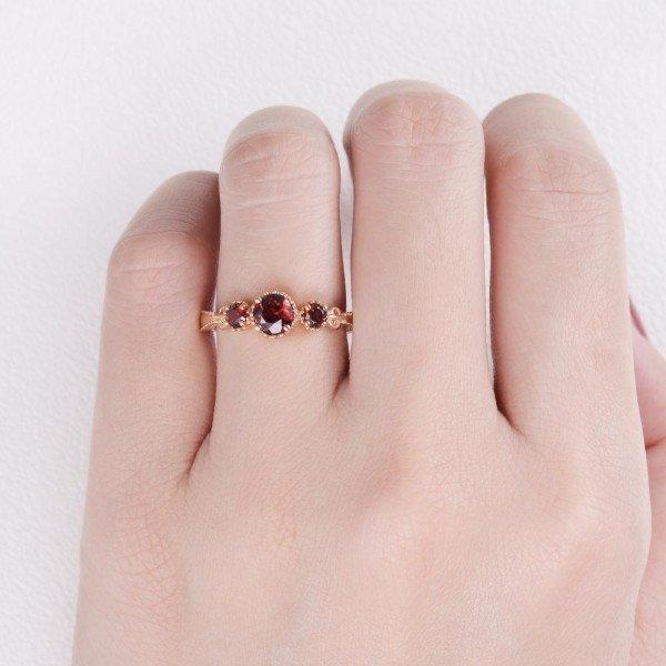 Round Garnet Vintage Trinity Band - Finger