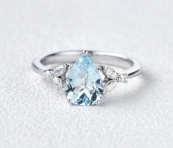 Pear Shaped Aquamarine Modern Leaf Ring - Front