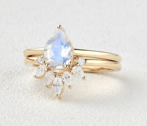 Pear Shaped Blue Moonstone Tribal Solitaire Ring Set - Yellow - Side