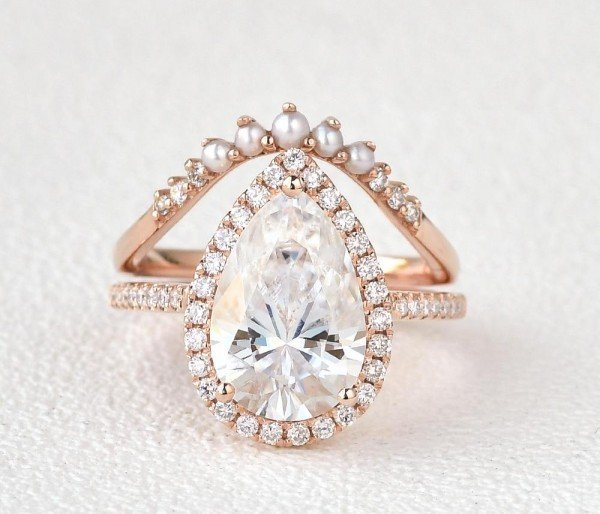 Pear Shaped Moissanite Vintage Halo Ring Set - Front
