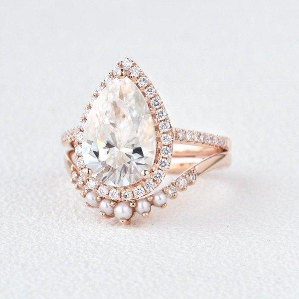 Pear Shaped Moissanite Vintage Halo Ring Set - Side